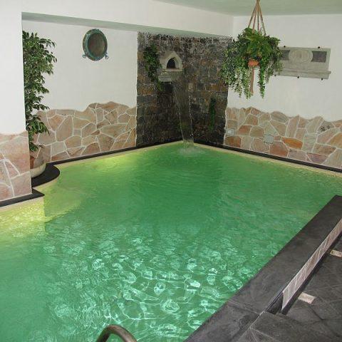 ALBERGO_piscina_interna1